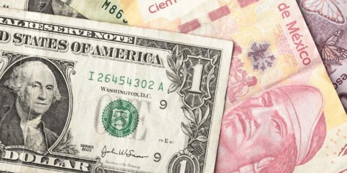 El peso registró una ligera pérdida de 2.05 cvs. frente al dólar