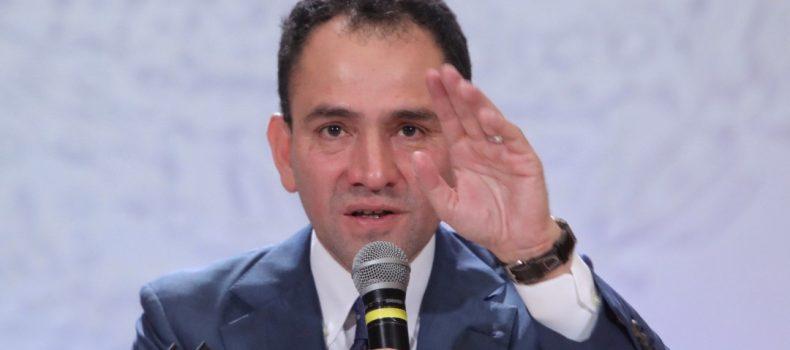 """""""Hay que tomárselo como una pizquita de sal"""", dice Arturo Herrera sobre la depreciación del peso ante del dólar"""